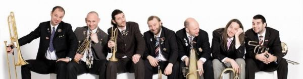 "Mnozil Brass ""Happy Birthday"""